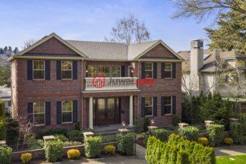 居外网在售美国5卧4卫新房的房产总占地669平方米USD 3,495,000
