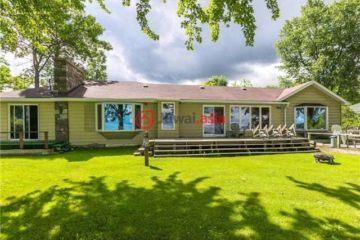 居外网在售加拿大3卧2卫最近整修过的房产总占地2109平方米CAD 1,275,000