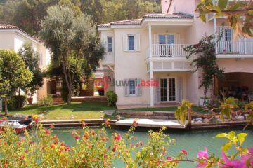 居外网在售土耳其3卧3卫最近整修过的房产总占地500平方米EUR 565,000