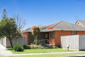 居外网在售澳大利亚4卧2卫的房产总占地767平方米AUD 300,000