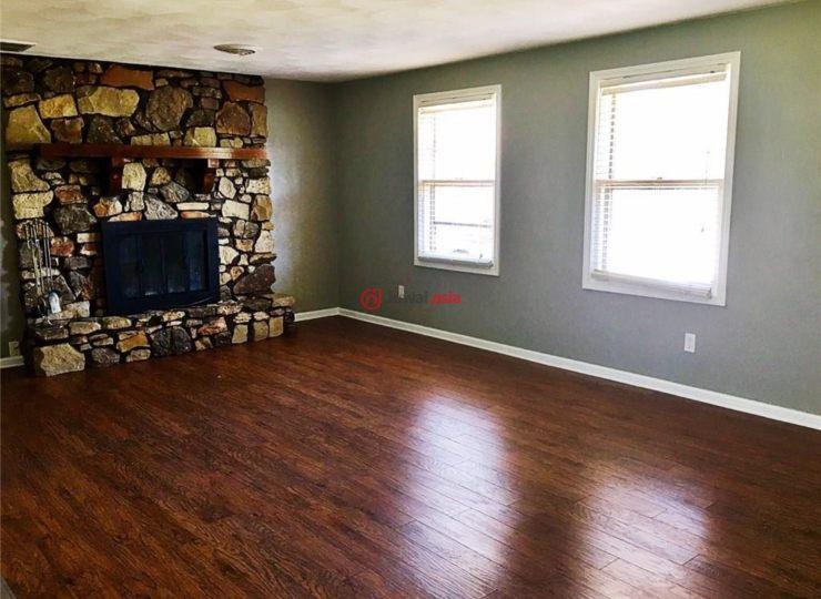 美国印地安那州安德森3卧2卫的房产